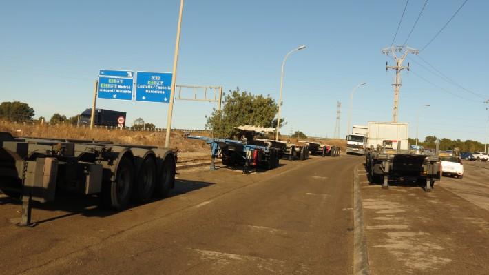 Fuente del Jarro reclama la adecuación de aparcamientos